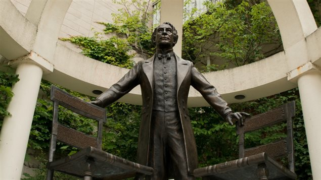 Wilfid Laurier University in Ontario recently removed a statue to Canada's founder Sir John A Macdonal