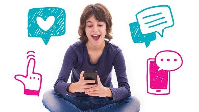 Deux nouveaux guides ont été publiés par Habilomédias pour aider les élèves du secondaire et les étudiants post-secondaires à mieux naviguer dans leur monde en ligne