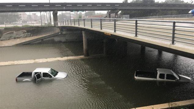 哈维飓风导致的财产损失约1800亿美元