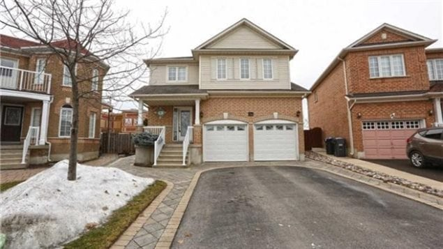 In February this house in Brampton (GTA) sold for over $750,000, some $206,000 over the asking price. It sold in one week after hundreds of showings and 82 offers