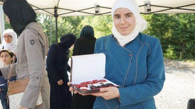 叙利亚难民Hadhad一家在加拿大重开巧克力厂