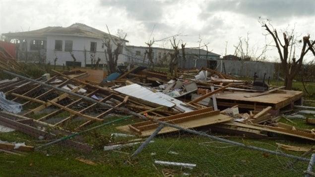 L'ouragan Irma a frappé les îles Turcs et les Caicos avec des vents allant jusqu'à 280 km / h. (Anika E. Kentish / Associated Press)