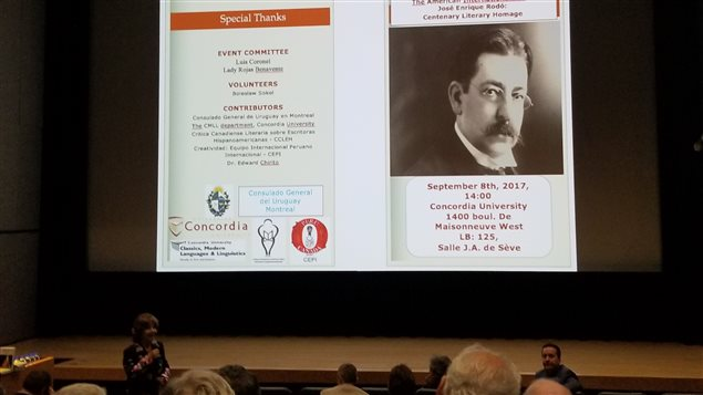 """Una de las exposiciones en la conferencia en Montreal """"El internacionalismo americano de José Enrique Rodó: homenaje en su centenario""""."""