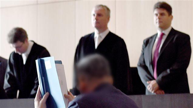 Roque M. durante su jucio en Dusseldorf, Alemania.