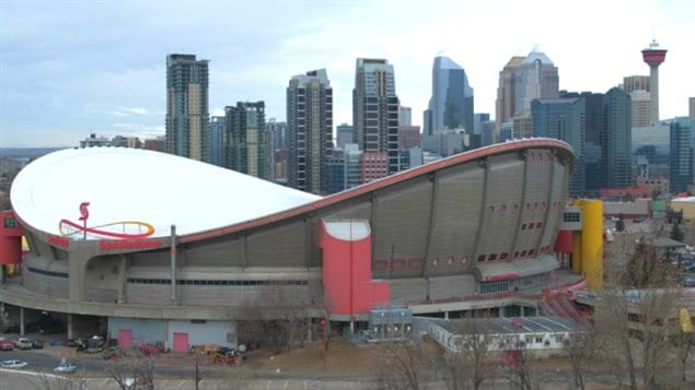 Who is going to pay what to replace Calgary's Scotiabank Saddledome, home of the NHL Flames, is causing much controversy for the team's owners, city politicians and residents.