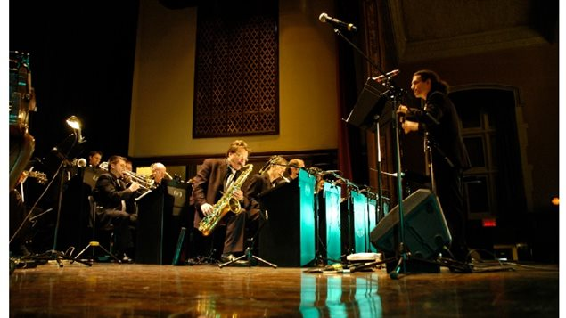 Montreal's Ballroom Blitz Big Band, A big melodic acoustic sound. Jazz swing and ballads from the big band era.