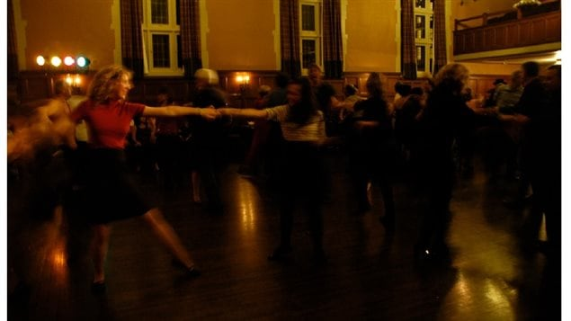 Swing dancers tearin' it up to the big rythym and melodies of Ballroom Blitz