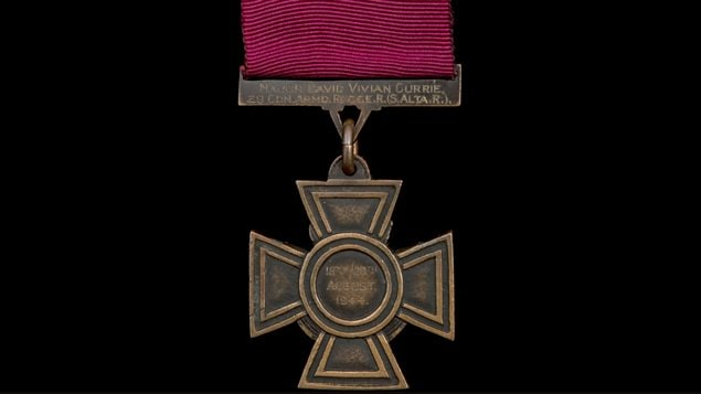 The reverse of the Victoria Cross inscribed to Maj David Vivian Currie 20th Cdn Arm'd Recce S (S Alta Regt) 18-20 August 1944