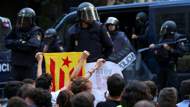 Fiscalía española pide prisión incondicional para ocho miembros del destituido gobierno catalán
