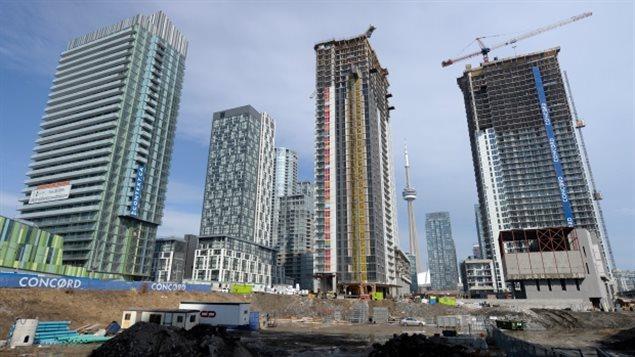 大多伦多地区的公寓楼市场继续火热