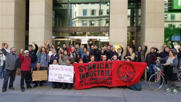 Canadienses y catalanes manifiestan su apoyo a la huelga general en Cataluña en protesta por la represión ordenada por Madrid.