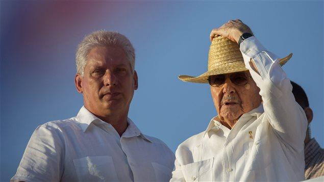 Miguel Díaz-Canel, vicepresidente de Cuba y el presidente Raúl Castro.