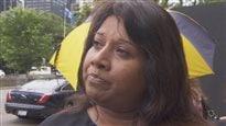 Zobeida Maharaj, qui travaillait comme directrice principale des opérations dans un magasin de Toronto, dit qu'il est injuste que certains cadres reçoivent des primes alors qu'elle a perdu son indemnité de départ. (CBC)