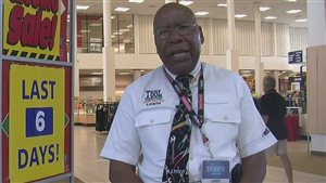 Cet employé de Sears a travaillé pour l'entreprise pendant 49 ans.
