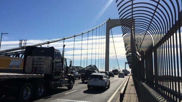 زحمة السير على الجسر