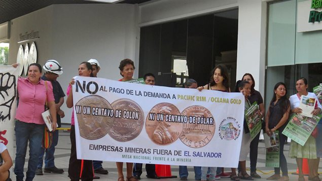 Protesta contra la empresa minera Pac Rim / OceanaGold en El Salvador
