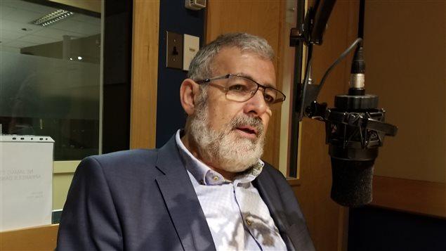 El imam Hassan Guillet sostiene que hay razones electoralistas detrás de la prohibición del niqab en Quebec.