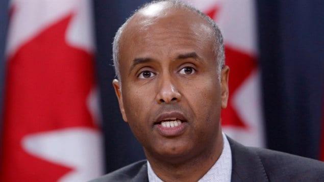وزير الهجرة واللاجئين والمواطنة في الحكومة الكندية أحمد حسين (أرشيف).