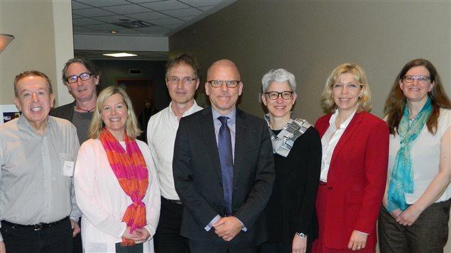 Miembros del GOPA con 3 funcionarios de la sección América del Sur y Central de Asuntos exteriores de Canadá en Ottawa.