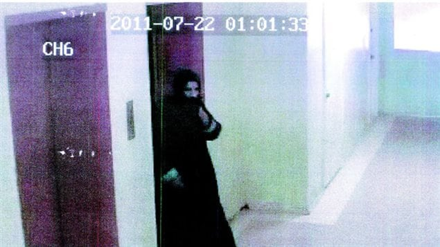 2011- A Pakistani man recently arrived in Canada disguised himself in a burka to fool security cameras before killing his estranged wife in Toronto