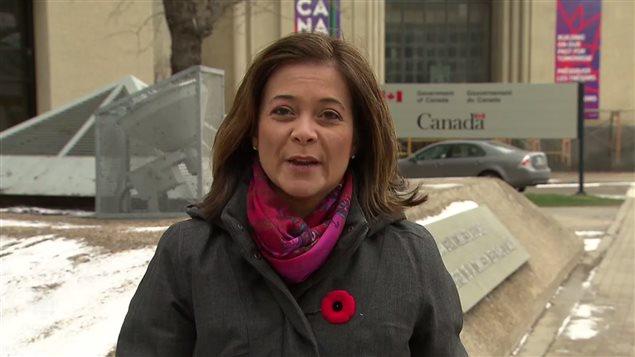 加拿大广播公司记者Karen Pauls报道难民快速通道