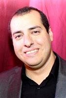 الكندي المصري محبّ جورج مدير المشاريع المتطوّع