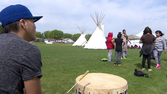 The federal government is consulting with Indigenous stakeholders to find ways to protect up to 90 Indigenous languages.