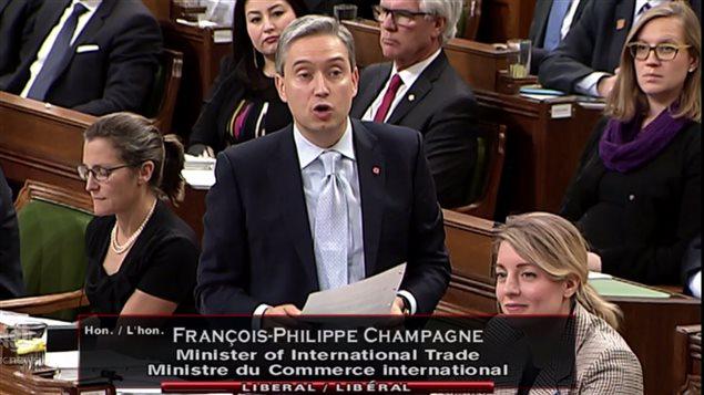 联邦贸易部长为特鲁多缺席TPP签字仪式辩护
