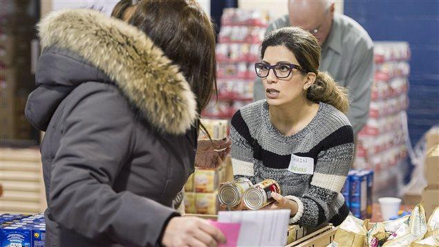 Los bancos de alimentos son una cita obligada para numerosas personas.