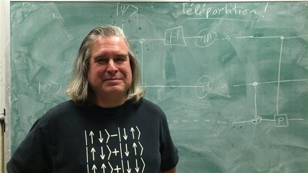 Gilles Brassard, cryptologue montréalais qui a contribué à jeter les bases de la cryptographie quantique. Photo : Radio-Canada / Matthieu Dugal