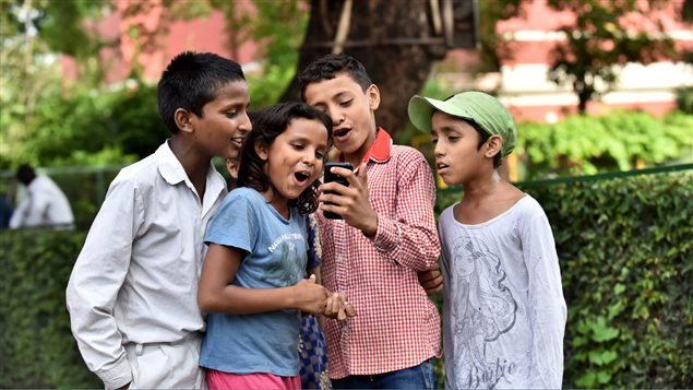 More children must have access to the internet and governments and the private sector must make it safer, says UNICEF.