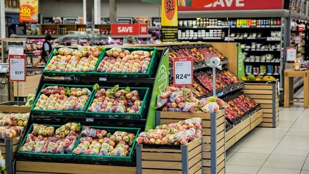 Food prices will increase as Canadians seek more convenience in 2018, says a recent report.