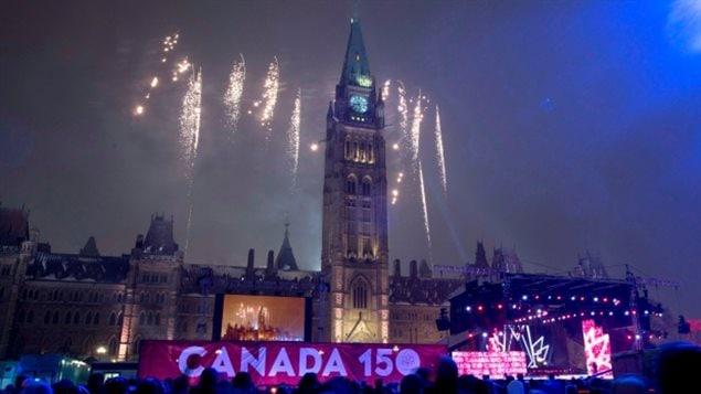 Algunos eventos al aire libre en Ottawa el 30 de diciembre y la víspera de Año Nuevo han sido cancelados, pero el patinaje público y los fuegos artificiales de Año Nuevo se llevarán a cabo.