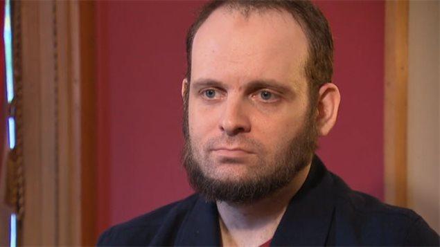 Joshua Boyle fait face à 15 accusations criminelles. Il reste en détention et devrait comparaître devant le tribunal par liaison vidéo mercredi matin. (CBC)