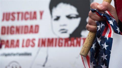 Le gouvernement canadien va «entrer en contact avec des groupes et organisations» représentant la communauté salvadorienne aux États-Unis pour les dissuader de traverser illégalement la frontière canado-américaine. AFP