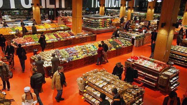 An interior shot of the flagship Loblaws store at the refurbished Maple Leaf Gardens site in downtown Toronto. Loblaws plans to refurbish at least 100 stores as part of a $1.2-billion investment. Loblaws estimates its 25$ gift card will cost it between $75-150 million