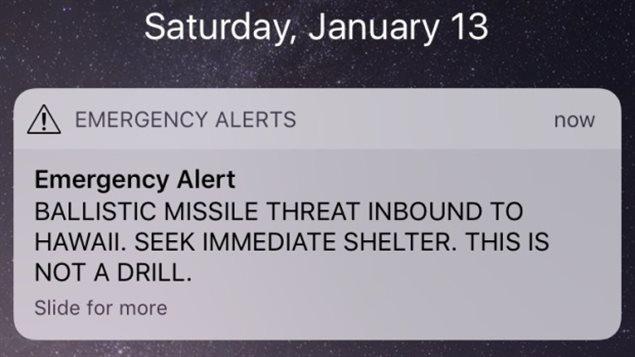 Mensaje de alarma indicando un ataque con misíles balísticos, enviado a la población de Hawái.