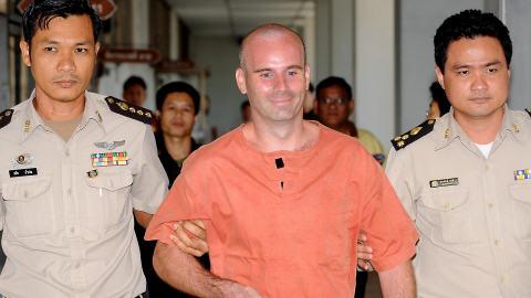 Neil au tribunal de Bangkok quelques instants après le prononcé de sentence.