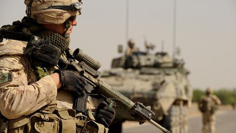 Un soldat canadien en patrouille dans le sud de l'Afghanistan.