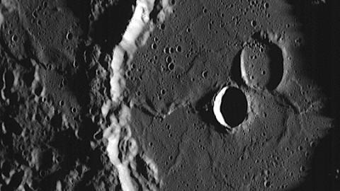 Mercure-cratère