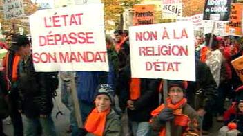 Manifestants contre l'imposition du cours d'éthique et de culture religieuse au Québec