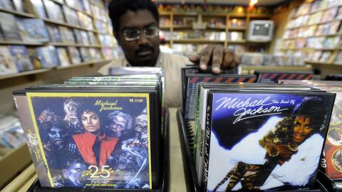 Vente de disques numériques à Colombo au Sri Lanka.
