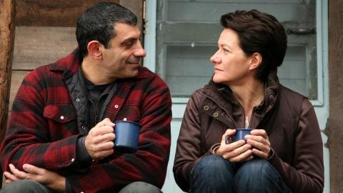 Éric Hoziel et Élise Guilbault dans La donation