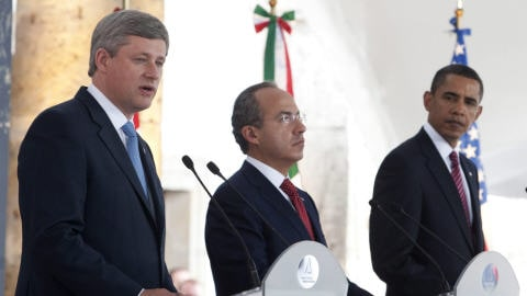 Stephen Harper, Felipe Calderon et Barack Obama à l'issue de la rencontre des dirigeants de l'Amérique du Nord