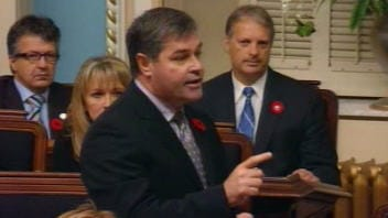 Le ministre de la Santé du Québec, le Dr Yves Bolduc