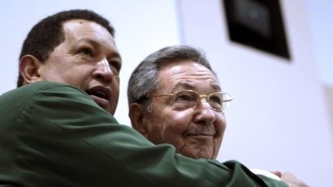 Le président du Venezuela, Hugo Chavez, et son homologue, Raul Castro, se sont rencontrés, le 12 décembre 2009, à la veille du sommet de l'Alliance bolivarienne des Amériques, qui se déroule à La Havane.