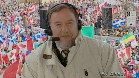 Jean Bédard anime une émission spéciale lors du love-in de 1995.