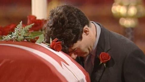 Justin Trudeau pleure la mort de son père.