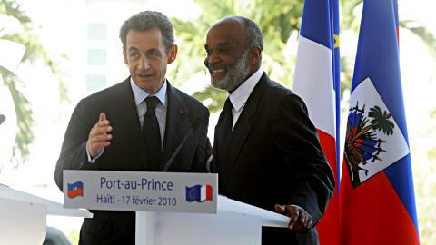 Nicolas Sarkozy avec son homologue haïtien René Préval