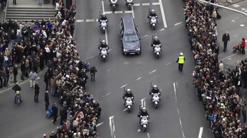 Le corbillard contenant le cercueil du président polonais